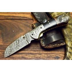 Hunting damascus steel knife bull horn