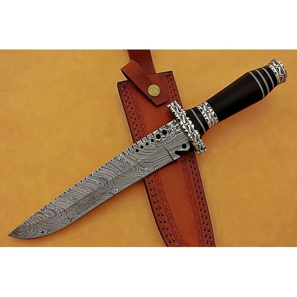 Exclusive pattern damascus steel knife horn brass