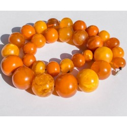 108 g. Vintage 100% natural Baltic amber necklace
